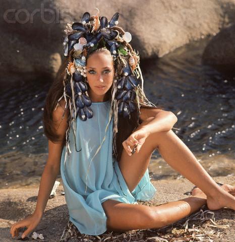 MarisaBerenson_portraitsofelegance_seashell