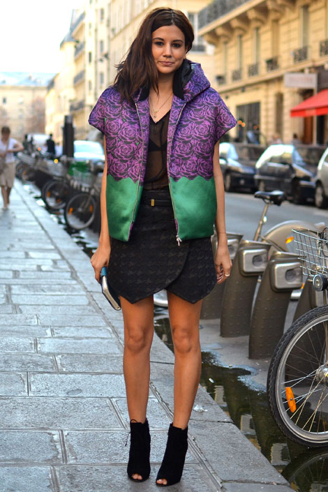 http://portraitsofelegance.files.wordpress.com/2012/11/christine_centenera_in_josh_goot_jacket_and_balenciaga_skirt.jpg