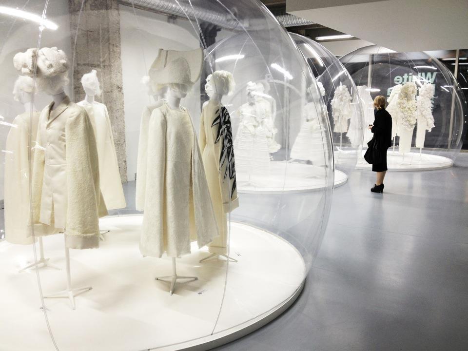 comme-des-garcons-white-drama-exhibition
