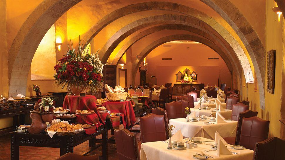000061-05-restaurant-interior