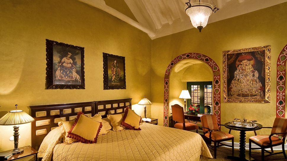 000061-08-guestroom