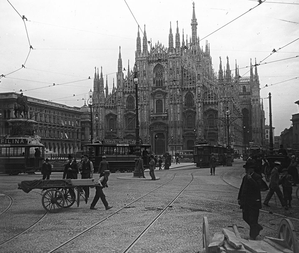 Piazza del Duomo 1900