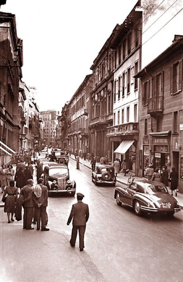 Via Monte Napoleone around 1950