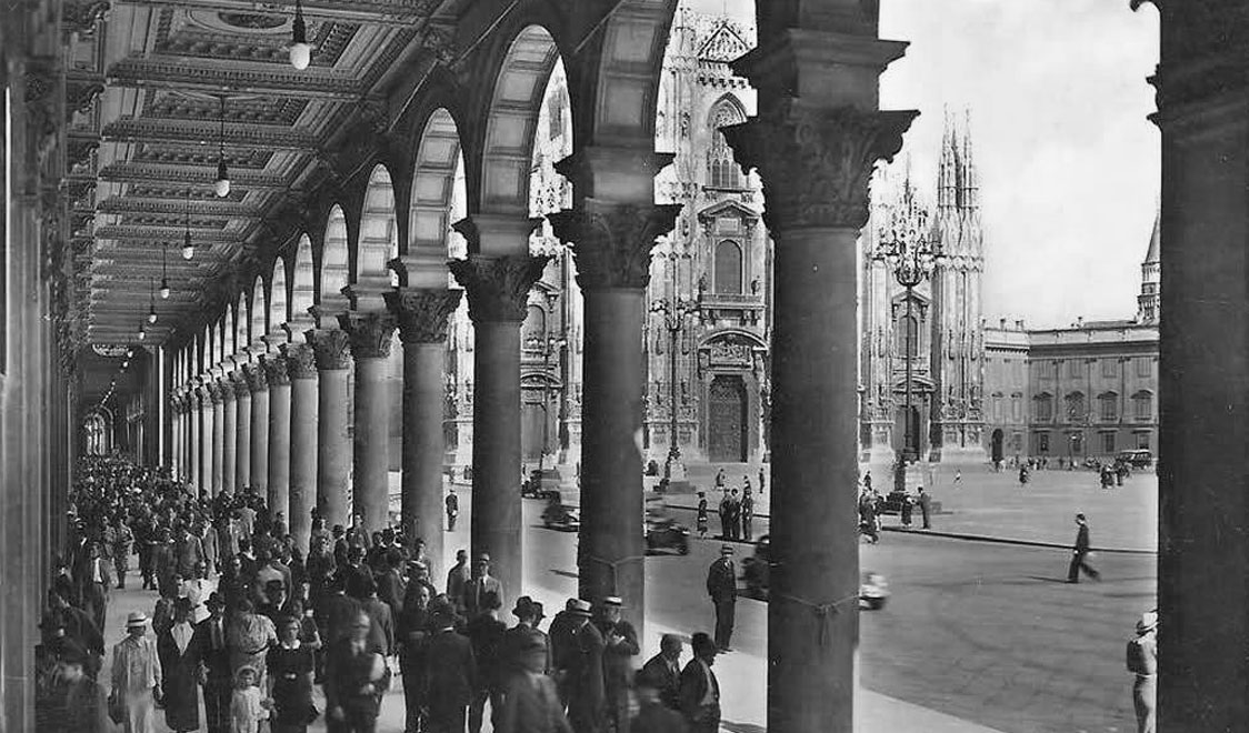 vintage-photos-of-milan-italy-duomo-cathedral-columns-gal-12